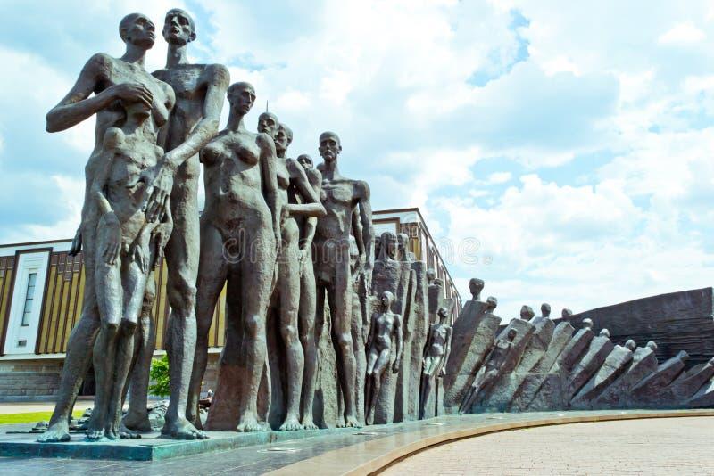 对纳粹集中营的受害者的纪念碑 库存图片