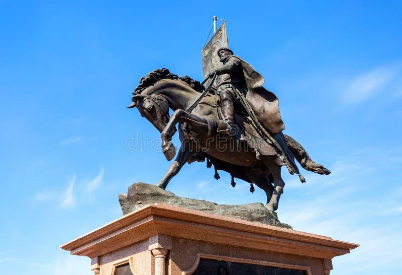 对翼果- Grigory Zaseki王子的创建者的古铜色纪念碑 库存图片