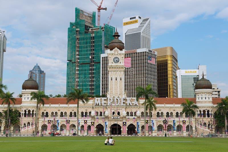 对苏丹阿卜杜勒萨玛德大厦的看法在独立正方形Dataran独立报在吉隆坡,马来西亚 免版税库存图片