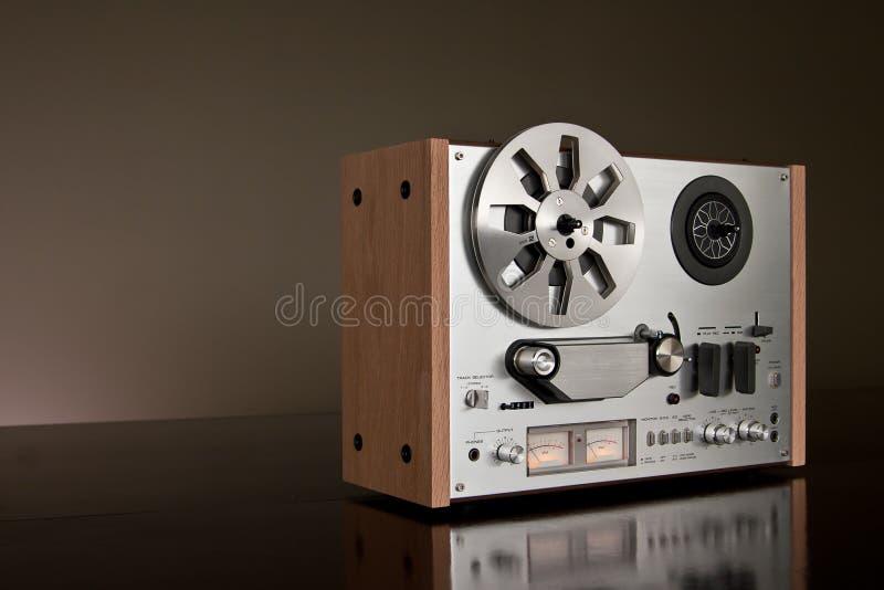 对葡萄酒的甲板记录员卷轴立体声磁&# 免版税图库摄影