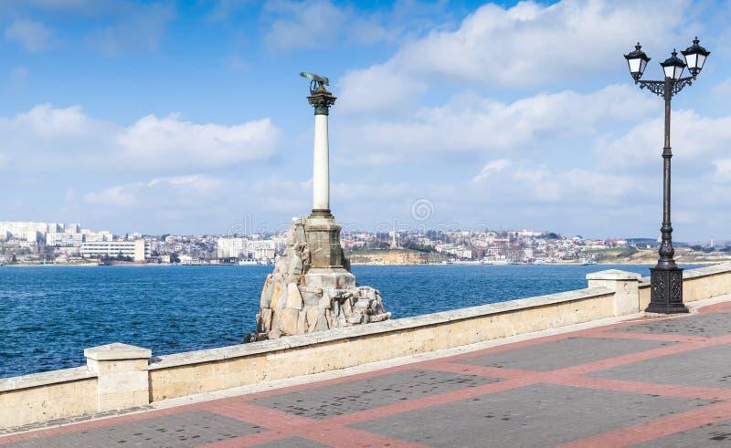 对被充斥的船的纪念碑,塞瓦斯托波尔 免版税库存照片