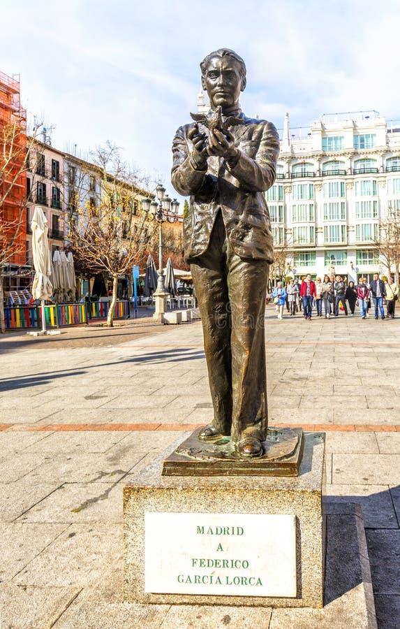 对西班牙诗人费德里科加西亚洛尔卡的雕象在马德里 图库摄影