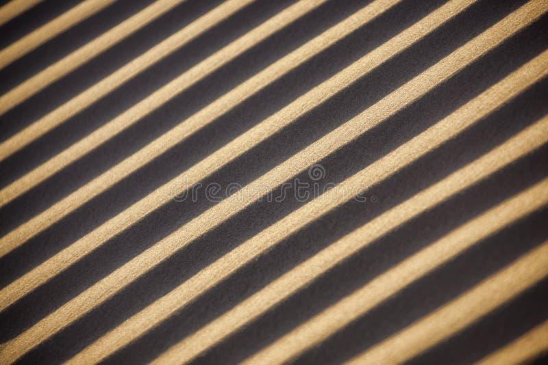 对角沙子样式在摩洛哥的撒哈拉大沙漠。 免版税库存照片