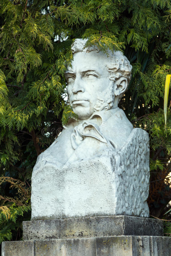 Download 对诗人亚历山大・谢尔盖耶维奇・普希金的纪念碑在索契 俄国 编辑类照片 - 图片 包括有 亚历山大, 城镇: 72366606