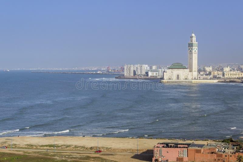 对重创的Mosquee哈桑二世的灯塔El汉克顶面全景 免版税库存图片