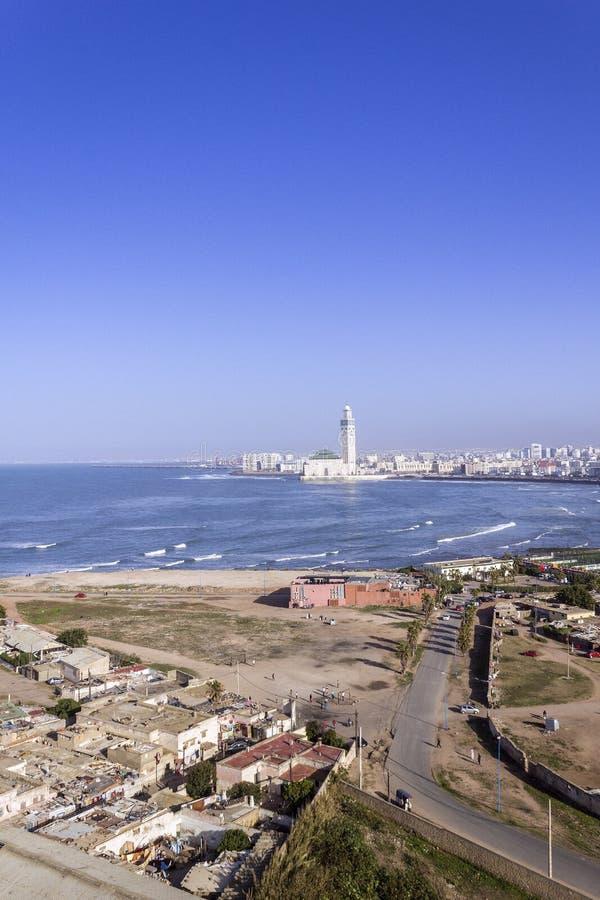 对重创的Mosquee哈桑二世的灯塔El汉克顶面全景 库存图片