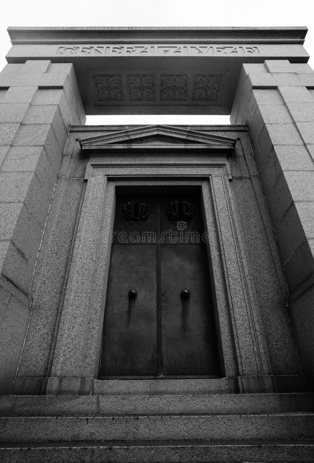 对阿尔维亚尔的单音纪念碑Recoleta公墓的 免版税库存图片