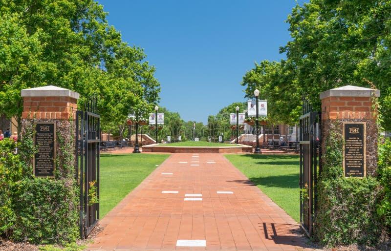 对阿拉巴马大学的校园门 免版税图库摄影