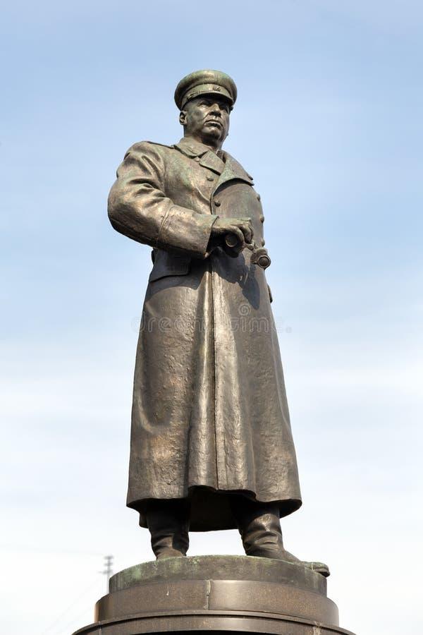 对陆军五星上将Apanasenko的纪念碑 别尔哥罗德州 俄国 库存图片