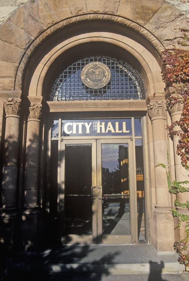 对香港大会堂的入口,剑桥,马萨诸塞 免版税库存图片
