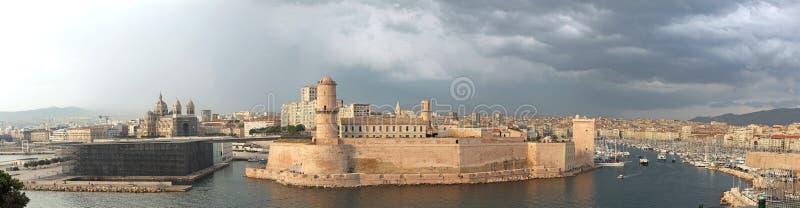 对马赛的港入口  免版税库存照片