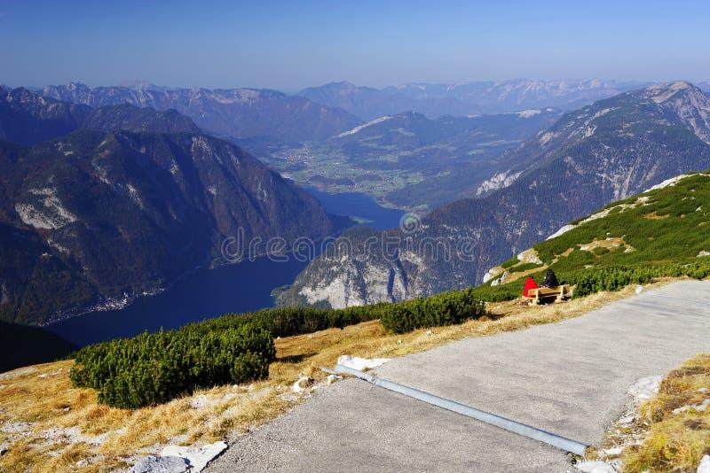 对5个手指平台的供徒步旅行的小道-在阿尔卑斯叫'多数壮观的观看的平台' 免版税图库摄影