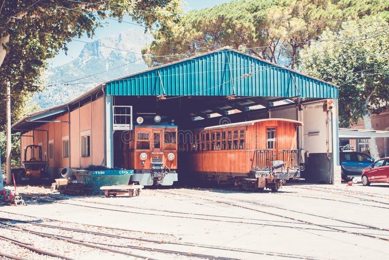 对索勒,马略卡的火车 免版税图库摄影