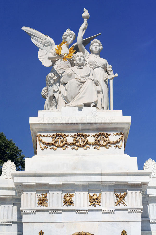 对贝尼托华雷斯的纪念碑在墨西哥城阿拉米达中央 库存图片