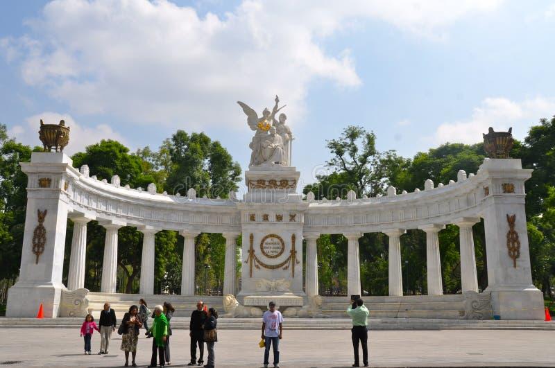 对贝尼托华雷斯的纪念碑在墨西哥城 库存图片