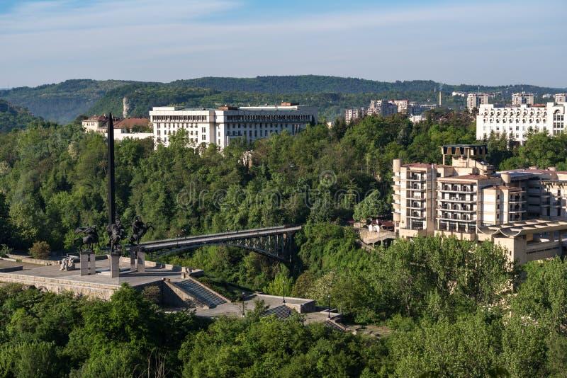 对Asen朝代的纪念碑在大特尔诺沃, 库存照片