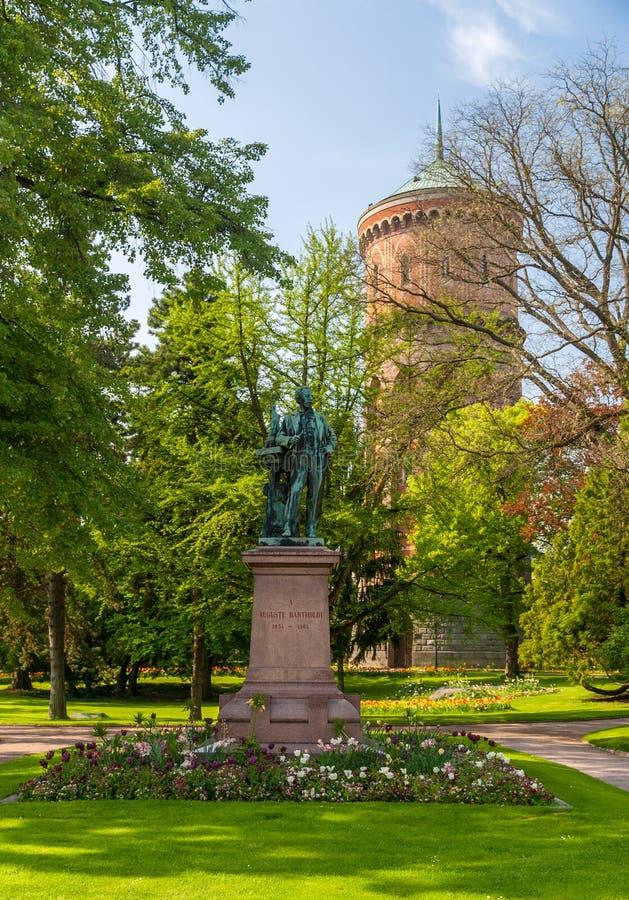 对Auguste Bartholdi的纪念碑在科尔马-阿尔萨斯,法国 库存图片