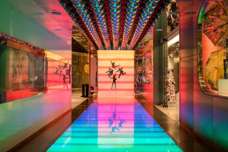 对Beatles太阳马戏团剧院爱展示的入口在海市蜃楼-拉斯维加斯,内华达,美国 免版税库存图片