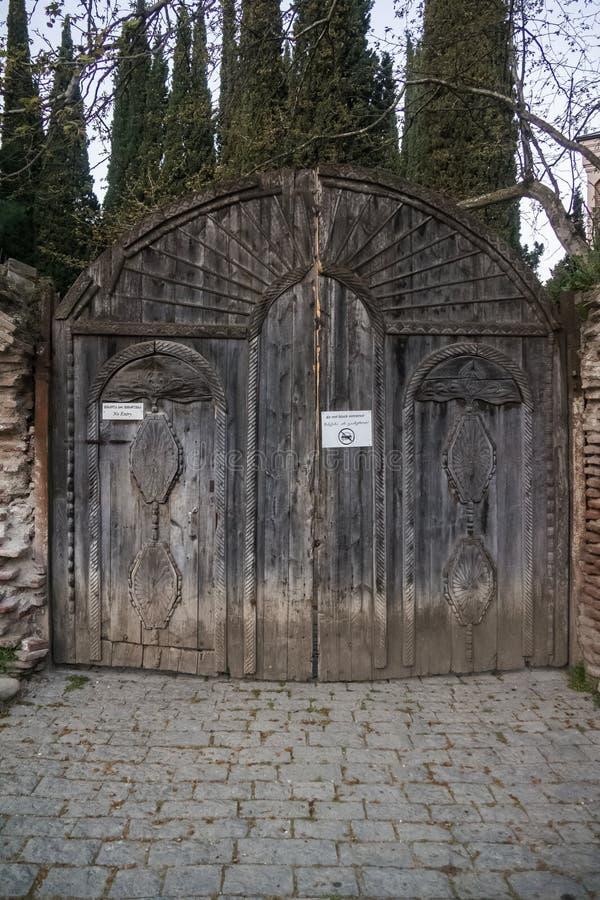 对bobde修道院的木门 图库摄影