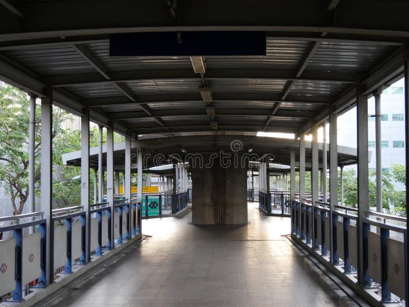 对BTS Sala Daeng驻地的Accessway早晨 免版税库存照片