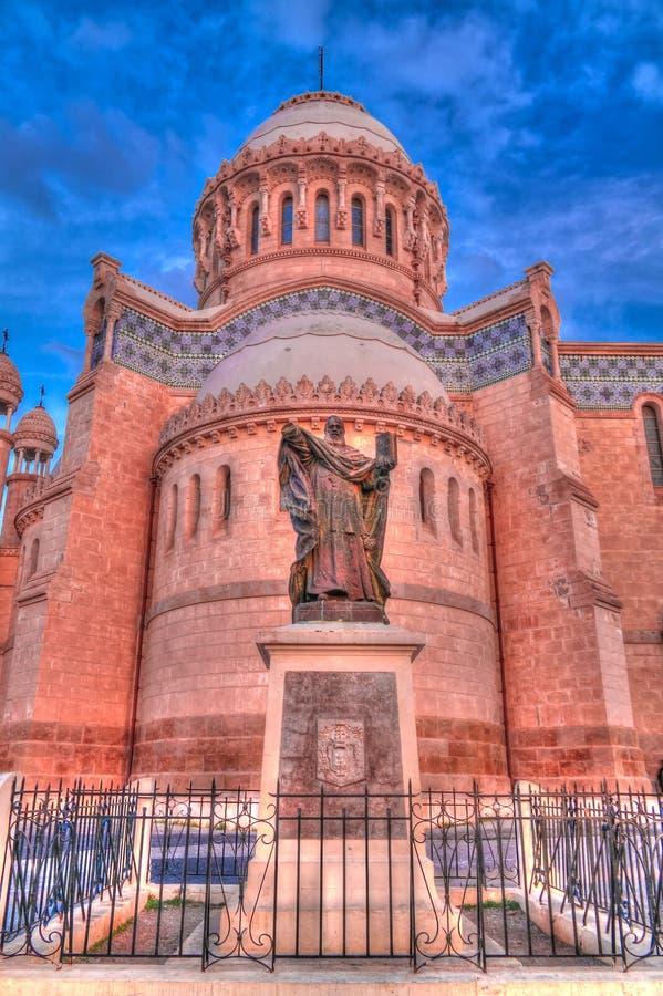 对Cathedrale Notre Dame d ` Afrique的外视图在阿尔及尔,阿尔及利亚 库存照片