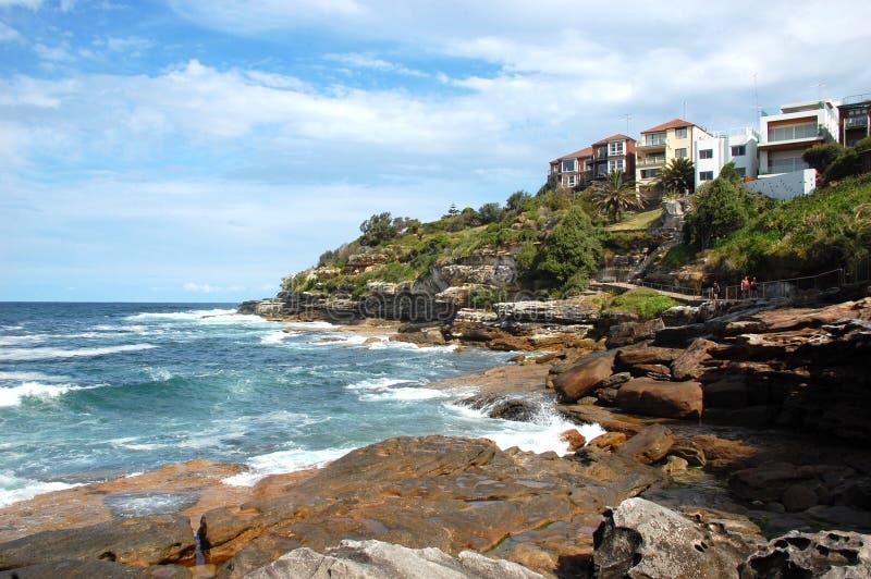 对Coogee沿海步行,悉尼,澳大利亚的Bondi。 免版税图库摄影