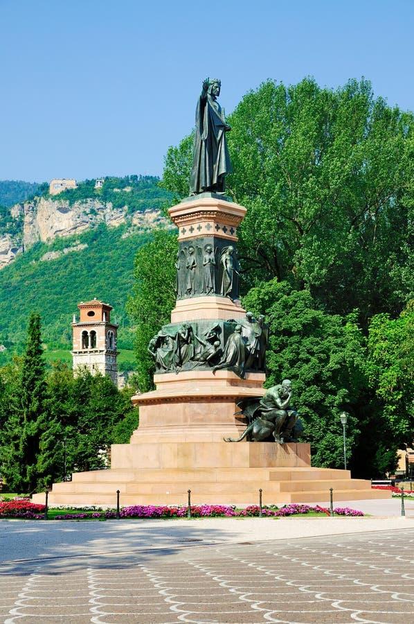 对Dante, Trento,意大利的纪念碑 图库摄影