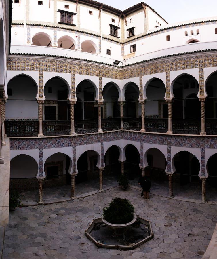 对Dar穆斯塔法帕哈宫殿,阿尔及尔,阿尔及利亚Casbah的看法  库存照片