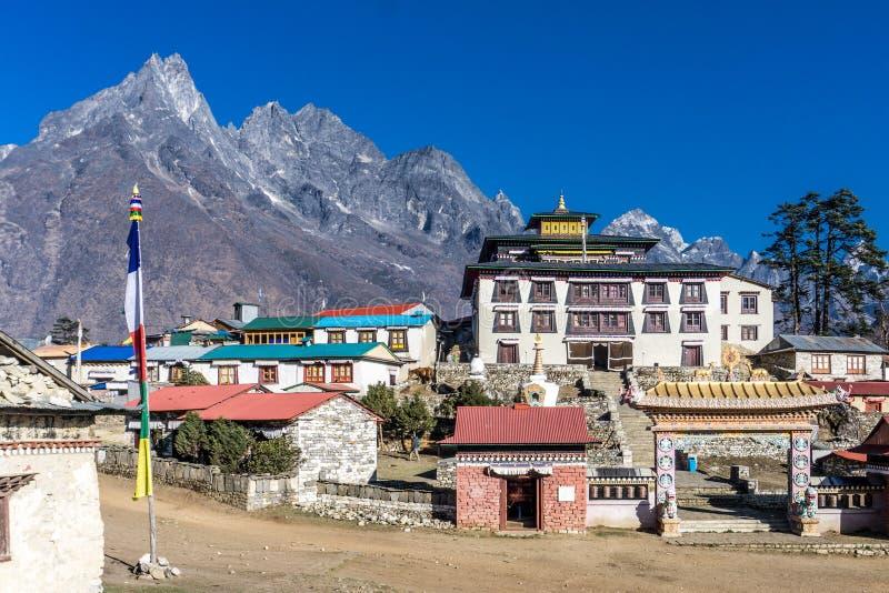 对Dingboche,尼泊尔的Tengboche 免版税图库摄影