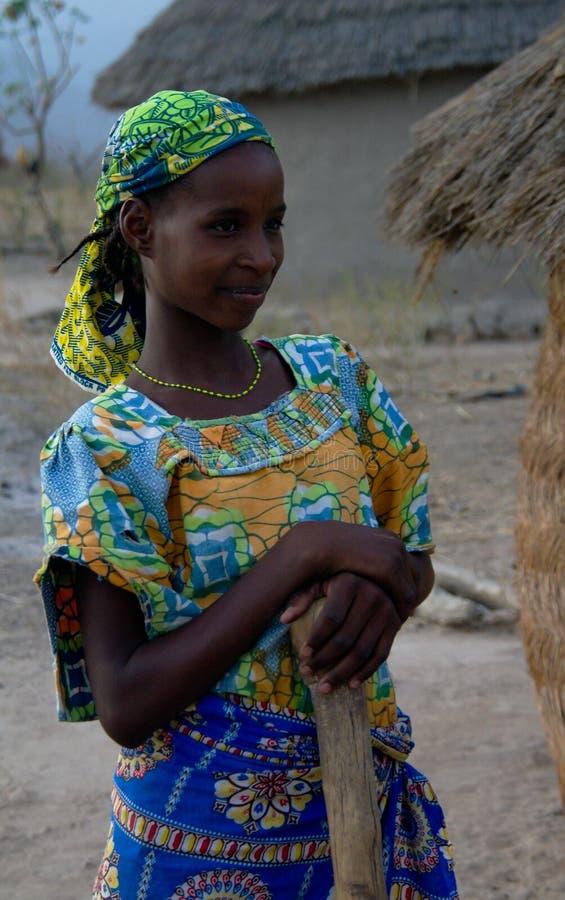 对fulbe fulani部落妇女的亦称看法在昌巴,喀麦隆附近 库存照片
