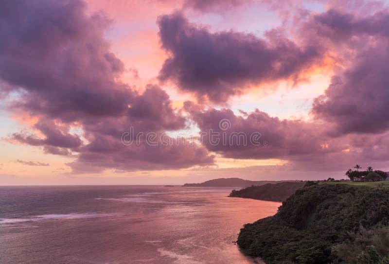 对Kilauea灯塔的日出在考艾岛 免版税库存图片