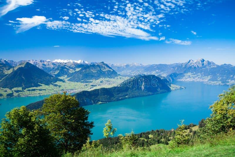 对Lucerne湖和山Rigi的美丽的景色 免版税库存照片