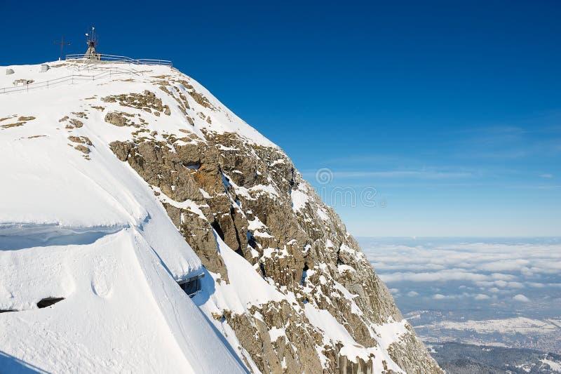 对Pilatus山的山顶的看法在琉森,瑞士 图库摄影