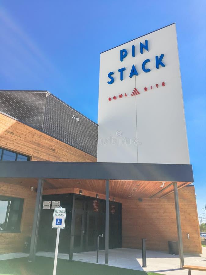 对PINSTACK的入口在Las Colinas,欧文,得克萨斯 免版税库存照片