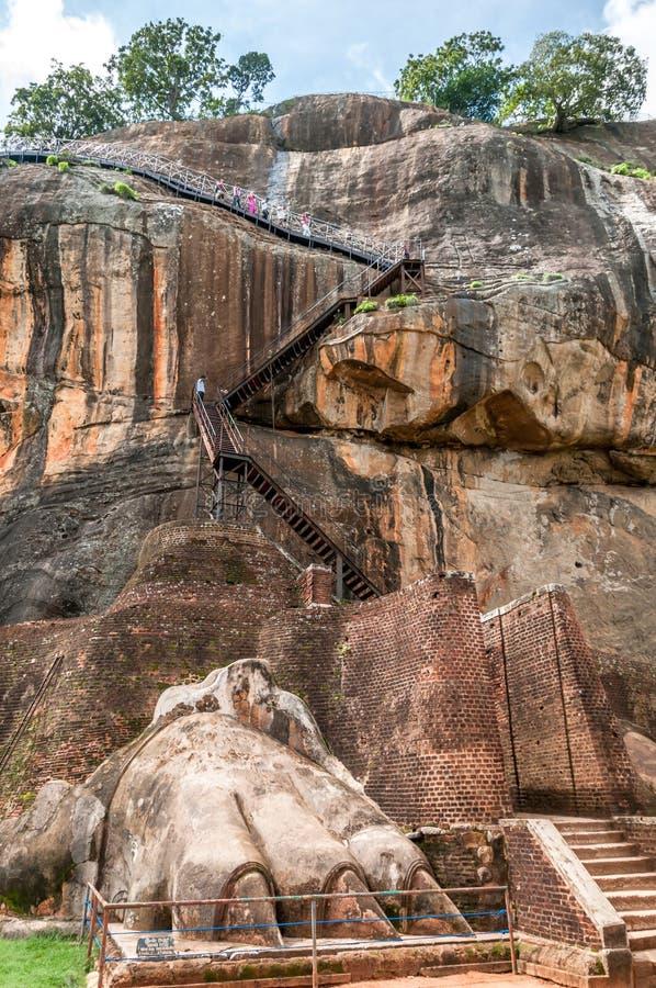 对Sigiriya山的楼梯 免版税库存图片