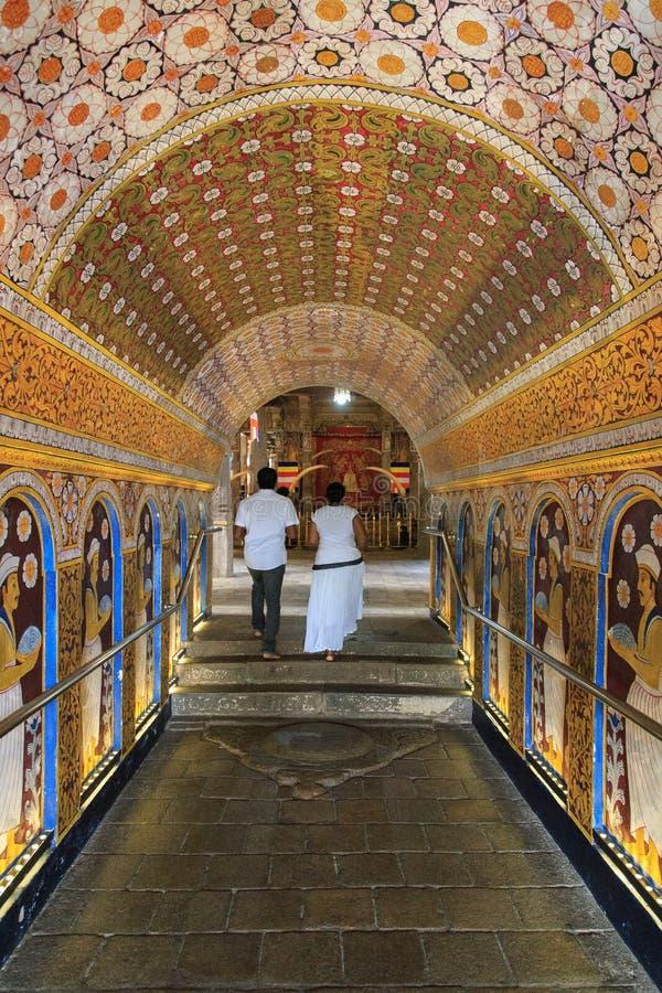 对Sri Dalada Maligawa或寺庙的入口神圣的牙遗物 库存图片
