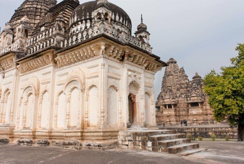 Download 寺庙古老结构在克久拉霍复合体的  科教文组织遗产站点 库存照片. 图片 包括有 吸引力, 东方, 背包, 纪念碑 - 72365798