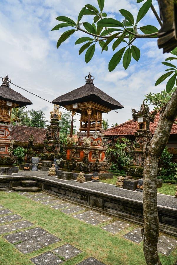 寺庙在最高的世袭的社会等级的居民的房子里 库存照片
