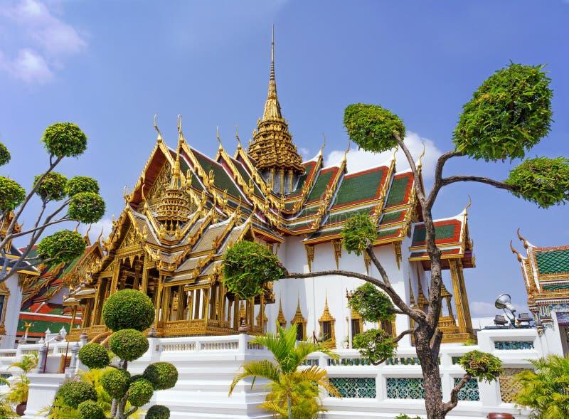 寺庙在盛大宫殿鲜绿色菩萨(曼谷玉佛寺),曼谷 免版税库存照片