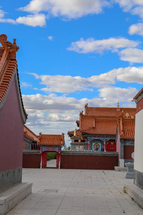 寺庙是这样一个有趣的地方,并且大厦是非常美丽的 免版税图库摄影