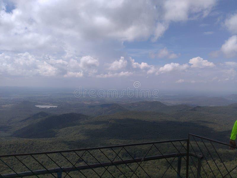 寺庙的小山顶视图 免版税图库摄影