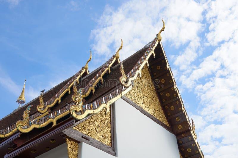 寺庙的屋顶在泰国是独特的 兰纳清迈的建筑学是超过700岁 免版税库存图片