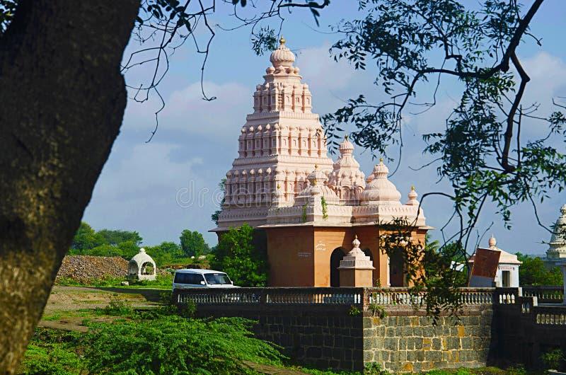 寺庙的风景看法, Sangameshwar,在Tulapur附近,马哈拉施特拉 免版税图库摄影