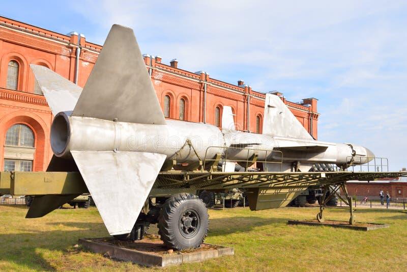 导弹复合体发射器在军事火炮博物馆 库存图片