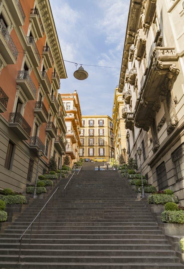 导致下来通过dei Mille的舷梯在那不勒斯,意大利 库存照片
