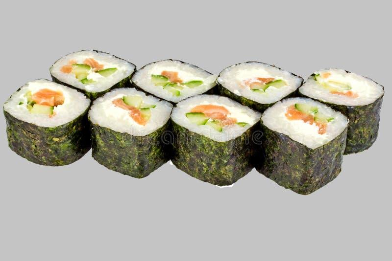 寿司与三文鱼和乳酪的maki卷 免版税库存照片