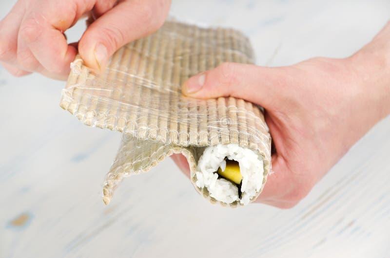 寿司卷的准备 库存图片
