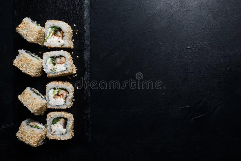 寿司鳗鱼滚动创造性食物的摄影 库存照片