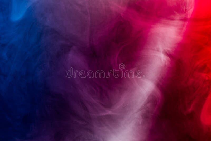 射线通过红色烟 库存图片