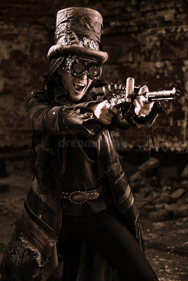 射击steampunk 免版税库存照片
